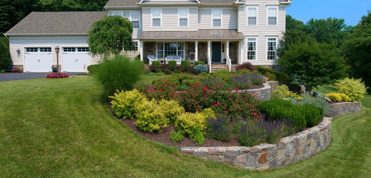 Fresh New Landscaping Ideas to Easily Enhance Your Yard